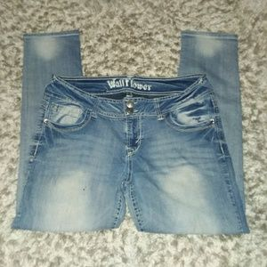 Wallflower stretch skinny jeans